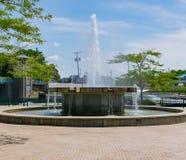 De Stad van Michigan, Indiana/de V.S. op 28 Juli 2018: Washington Park Fountain in Millenniumpark in Helder Sunny Sunlight tijden stock foto's