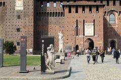 De stad van Milaan van het Sforzakasteel royalty-vrije stock afbeeldingen