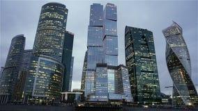 De Stad van Moskou - Commercieel van wolkenkrabbersmoskou Internationaal Centrum stock videobeelden