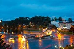 De stad in van nacht Dalat Stock Afbeelding