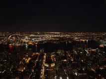De Stad van New York bij nacht van het Empire State Building, 2008 Stock Foto's