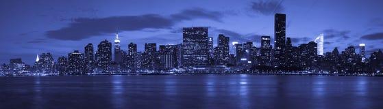 De Stad van New York bij schemering Royalty-vrije Stock Afbeeldingen