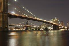 De Stad van New York - de Brug van Brooklyn in nacht royalty-vrije stock afbeeldingen