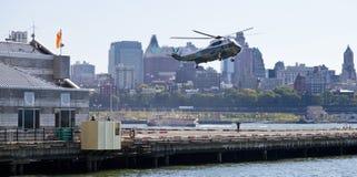 De STAD van NEW YORK, de V.S., vh-3D Sikorsky Stock Fotografie