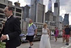 De Stad van New York, 3 Juli: De Bruggang van Brooklyn over de Rivier van het Oosten van Manhattan van de Stad van New York in Ve Stock Foto