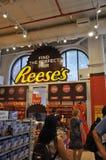De Stad van New York, 2 Juli: De Winkelbinnenland van de Herseychocolade van Times Square in Uit het stadscentrum Manhattan van d Stock Fotografie