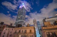 DE STAD VAN NEW YORK - JUN 8: Nachtmening van het Empire State Building, stock fotografie
