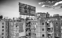 DE STAD VAN NEW YORK - JUNI 2013: De lange gebouwen van Manhattan De stad bij Stock Foto's