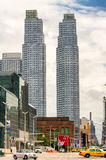 DE STAD VAN NEW YORK - 13 JUNI, 2013: Gele cabines langs avenu van Manhattan Royalty-vrije Stock Fotografie