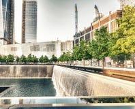 DE STAD VAN NEW YORK - 12 JUNI: Overzicht van de 9/11 herdenkingsplaats bij t Stock Afbeeldingen