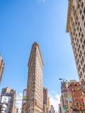 DE STAD VAN NEW YORK - JUNI 2013: Strijkijzer de bouwvoorgevel in Manhattan Stock Afbeelding