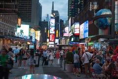 De Stad van New York 4 keer regelt nacht Stock Afbeelding