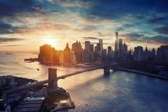 De Stad van New York - Manhattan na mooie zonsondergang, Stock Afbeeldingen