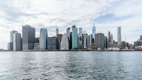 De stad in van New York over Hudson-rivier Stock Afbeelding