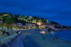 De stad van Nice bij nacht Royalty-vrije Stock Fotografie