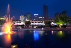 De stad van Ningbo bij nacht. China Stock Foto's