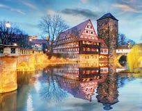 De stad van Nuremberg - de rivieroever van Pegnitz-rivier, Duitsland royalty-vrije stock foto's