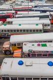 DE STAD VAN PANAMA, PANAMA - MEI 30, 2016: De bussen wachten bij Albrook-Busterminal in Panama CIT royalty-vrije stock afbeelding
