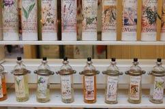 De stad van parfum - Grasse, Frankrijk stock afbeeldingen