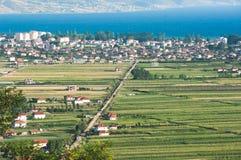 De Stad van Pogradec in Zuidoostelijk Albanië royalty-vrije stock afbeeldingen