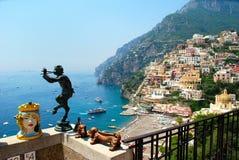 De stad van Positano tijdens de Zomer, Napels, Italië Stock Foto