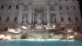 De stad van Rome en Trevi fontein stock videobeelden