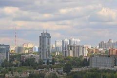 De stad van Samara in de zomer Royalty-vrije Stock Afbeeldingen