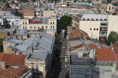 De stad van Sarajevo van de culturen van het oosten en van het westen royalty-vrije stock fotografie