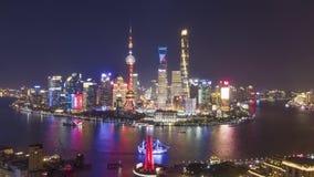 De Stad van Shanghai bij nacht E China Lucht Mening stock videobeelden