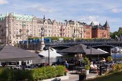 De stad van Stockholm in de zomer stock fotografie