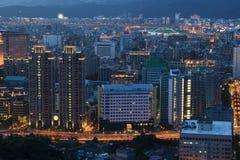 De Stad van Taipeh bij nacht stock foto