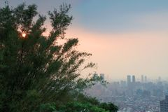 De Stad van Taipeh bij Zonsondergang Royalty-vrije Stock Afbeeldingen