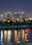 De stad van Tel Aviv bij de nacht Royalty-vrije Stock Fotografie