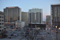 De stad in van Winnipeg in de avond Royalty-vrije Stock Foto's
