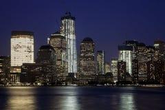 De stad w Van de binnenstad van New York de toren van de Vrijheid Stock Fotografie