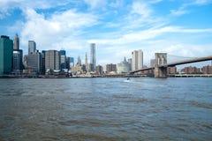 De stad w Van de binnenstad van New York de toren van de Vrijheid Stock Foto