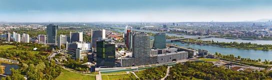 De Stad Wenen van Donau van de horizon Royalty-vrije Stock Foto's