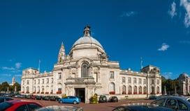De stadhuisbouw in Cardiff, Wales, het UK royalty-vrije stock foto
