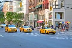 De Stads Gele Cabines van New York op de weg Royalty-vrije Stock Foto