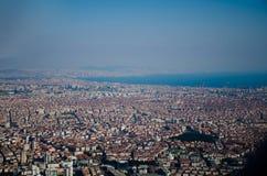 De stads hoogste mening van Istanboel van het vliegtuig royalty-vrije stock foto's