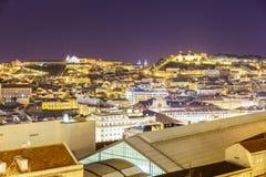 De stadsantenne van Lissabon bij nacht Royalty-vrije Stock Foto