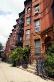 De Stadsbrownstones van New York stock afbeeldingen
