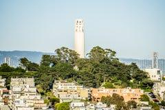 De stadsbuurten van San Francisco en straatmeningen op zonnige dag Stock Afbeelding