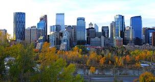 De stadscentrum van Calgary, Canada bij schemering stock fotografie