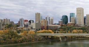 De Stadscentrum van Edmonton in de herfst 4K stock video