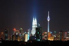 De stadscentrum van Kuala Lumpur bij nacht Royalty-vrije Stock Afbeelding