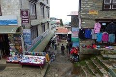 De stadscentrum van de Namchebazaar, Everest-trek van het Basiskamp, Nepal stock foto