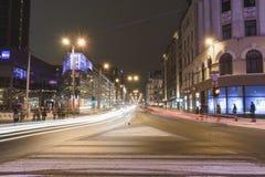 De stadscentrum van Riga bij nacht - Letland stock foto