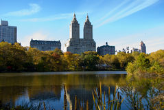De Stadshorizon en Central Park van New York in de Herfst Stock Afbeelding