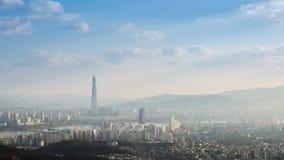 De stadshorizon en wolkenkrabber van Seoel in Seoel van de binnenstad, Zuid-Korea, 4K Timelapse stock videobeelden